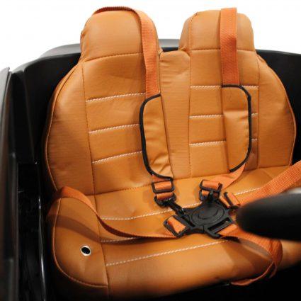 Электромобиль Toyota LC 200 B111BB синий (колеса резина, кресло кожа, пульт, музыка)